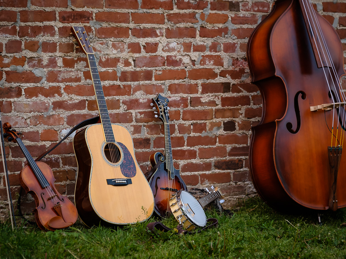 Bluegrass instruments in an urban setting